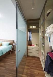 Kleiderschrank Tv Integriert : wie kann ich einen begehbaren kleiderschrank in mein ~ Lizthompson.info Haus und Dekorationen