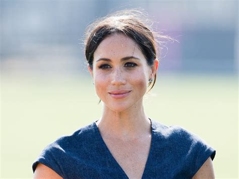 Their oprah interview smartly set meghan markle's suits costar wendell pierce clarified his comments calling her oprah interview. Meghan Markle Excited To Teach The Royals About Thanksgiving And Celebrate With Them ...