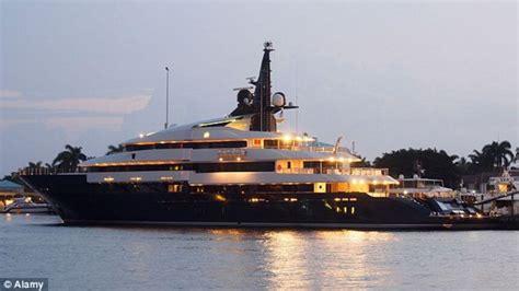steven spielberg  selling   million mega yacht