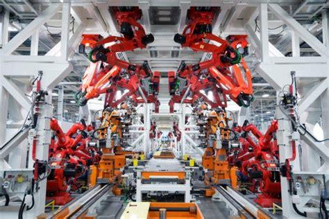 fca set  open   assembly plant  detroit  news