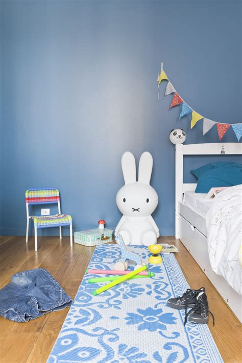 mur chambre bébé le magazine ripolin quelle couleur associer au bleu