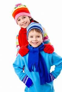 Geburtstagsspiele 4 Jahre : zwei kinder in der winterkleidung stockbild bild von zicklein schutzkappe 23515745 ~ Whattoseeinmadrid.com Haus und Dekorationen