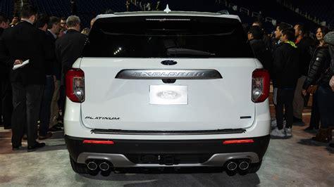 ford explorer platinum rear view motortrend