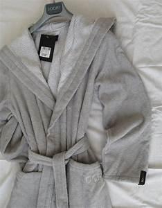 Bademantel Damen Kapuze : joop classic damen bademantel mit kapuze silber textil bauer ~ Eleganceandgraceweddings.com Haus und Dekorationen