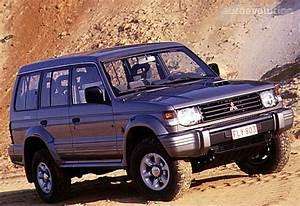 Mitsubishi Pajero 5 Doors - 1992  1993  1994  1995  1996  1997