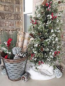 Rustic Christmas Decorations For an Outdoor Fireplace or Patio