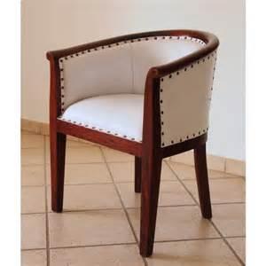 sedie classiche per camera da letto: sedie classiche o dal mood ... - Poltroncine Da Camera Da Letto