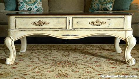 Discover the largest selection of farmhouse and french country coffee tables and farmhouse coffee tables. Katie at Fun Home Things shares her French Country Coffee Table! - Re-Fabbed
