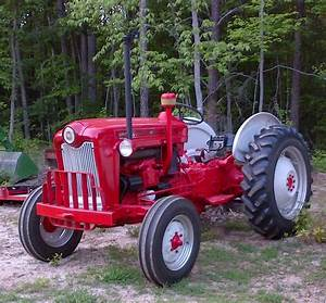 Ford 601 Select O Speed Tractor