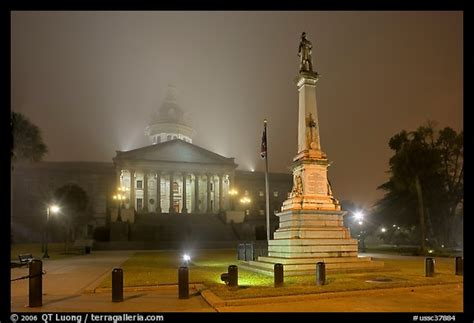 Monument To Confederate Soldiers And State