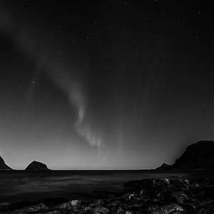 | nc56-aurora-night-sky-star-beautiful-space-sea-dark-bw