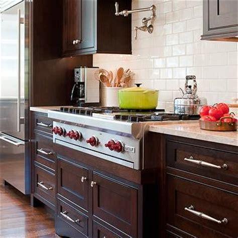 chocolate brown kitchen cabinets design ideas