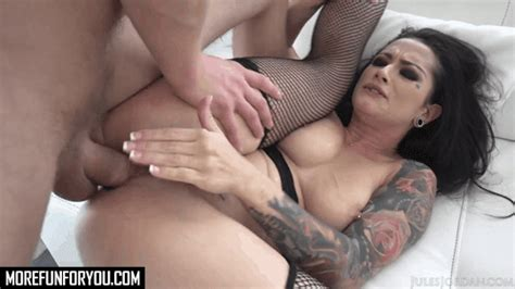 Katrina Jade Tattooed Chicks Gets Fucked by Manuel Ferrara