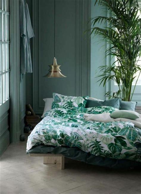 peinture verte chambre du vert dans la chambre cocon de décoration le