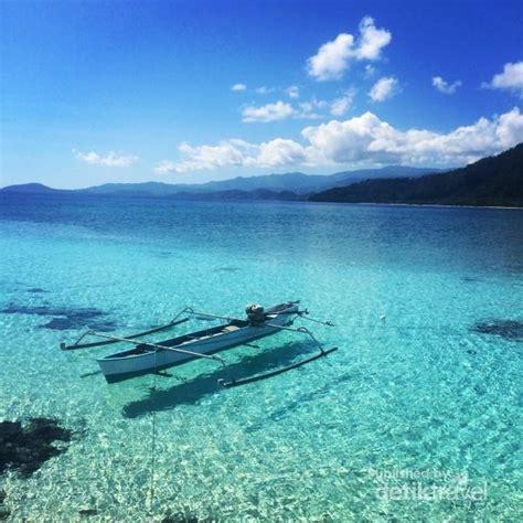 perahu melayang  pulau salando sulawesi tengah