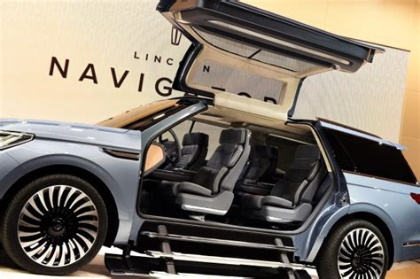 Step Right Up Lincoln Unveils Huge Luxury Navigator Suv