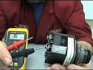 Comment Tester Une Batterie De Voiture Sans Multimetre : lectricit v rification d 39 une ampoule l 39 aide d 39 un multim tre youtube ~ Gottalentnigeria.com Avis de Voitures