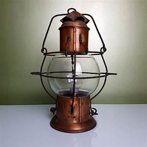 Lampe En Cuivre : lampe lanterne marine en cuivre avec globe cage grillag ~ Carolinahurricanesstore.com Idées de Décoration