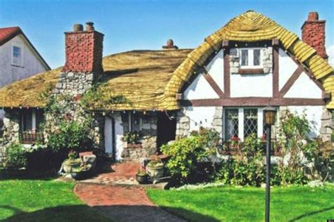 'hobbit House' In Vancouver For Sale (photos