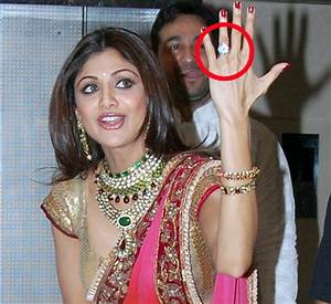 8 Bollywood actresses and their expensive engagement rings!
