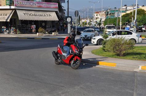 Sym Cruisym 300i Image by δοκιμή Sym Cruisym 300i F4 Abs Grande Protagonista