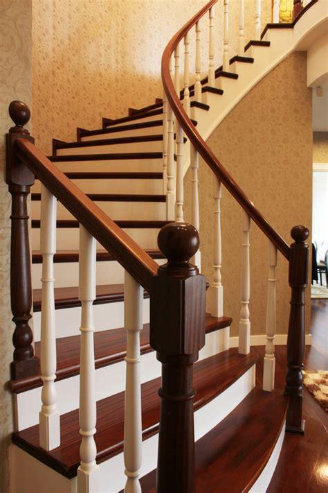 repeindre la cuisine peindre un escalier en bois