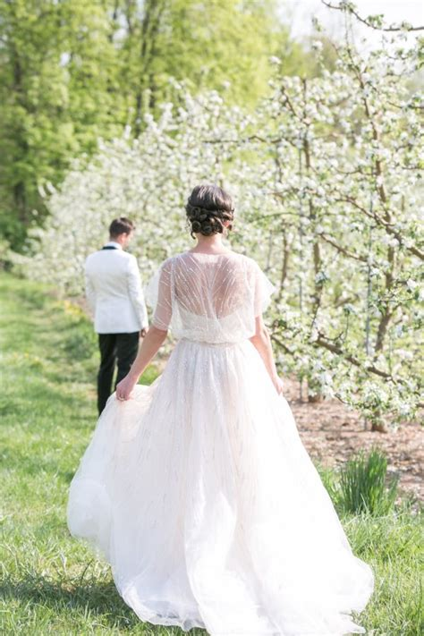 romantic  england wedding inspiration shoot modwedding