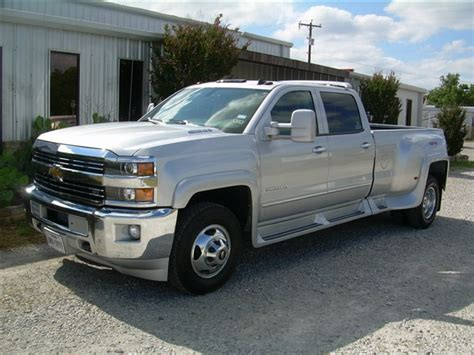 2015 Chevrolet 3500 Crew Cab 4x4 Dually