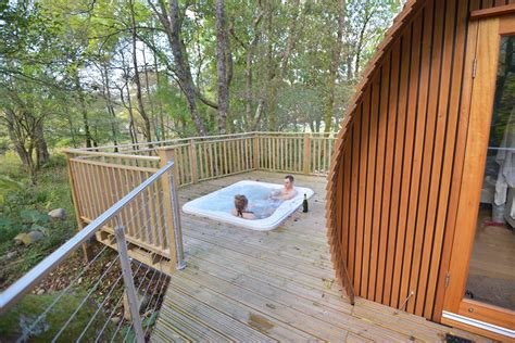 luxury lodges with tubs riverbeds luxury wee lodges with tubs ballachulish