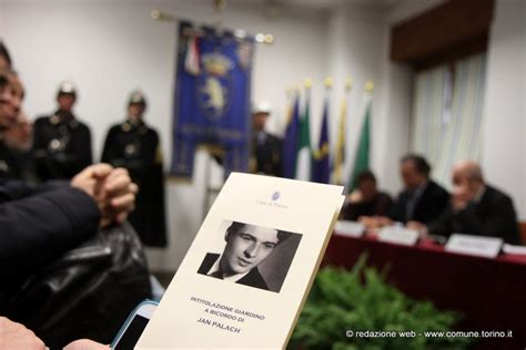Torino Ricorda Jan Palach Un Giardino Intitolato Al