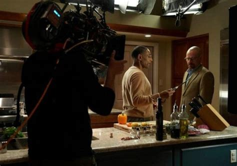 "Cool Backstage Photos From The Set Of ""breaking Bad"" (35"