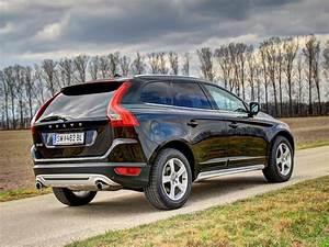 Suv Volvo Xc60 : volvo xc60 t6 r design der volvo xc60 erfreut sich als familienfreundlicher suv gro er ~ Medecine-chirurgie-esthetiques.com Avis de Voitures