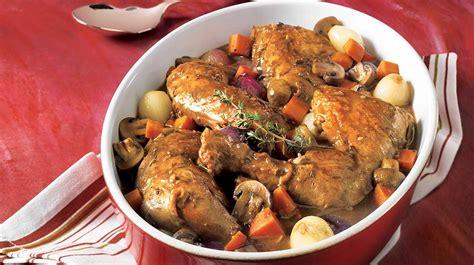 cuisiner du coq coq au vin recettes iga poulet vin recette facile