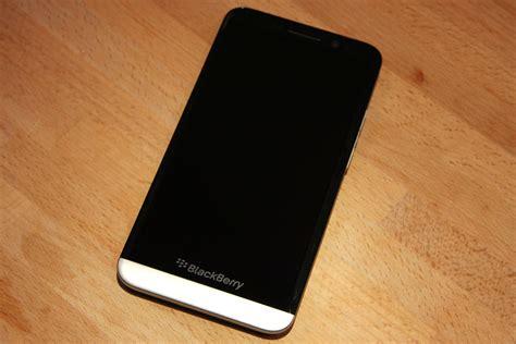 how to install opera on blackberry 10 smartphones