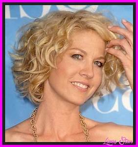 Hairstyles For Curly Hair Women Over 40