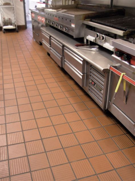professional kitchen flooring metro tread metropolitan ceramics genesee ceramic tile 1667