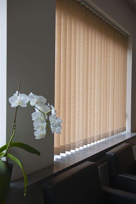 lamellen verticaal stof stoffen verticale lamellen van louverdrape 174 er is een