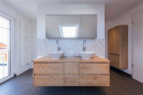Bilder Für Badezimmer Wand by Wand In T Form Trennt Dusche Und Toilette Gleichzeitig