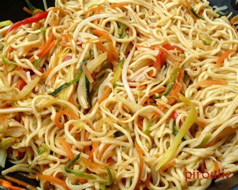 cuisiner des nouilles chinoises nouilles asiatiques 2 versions végétariennes ou au