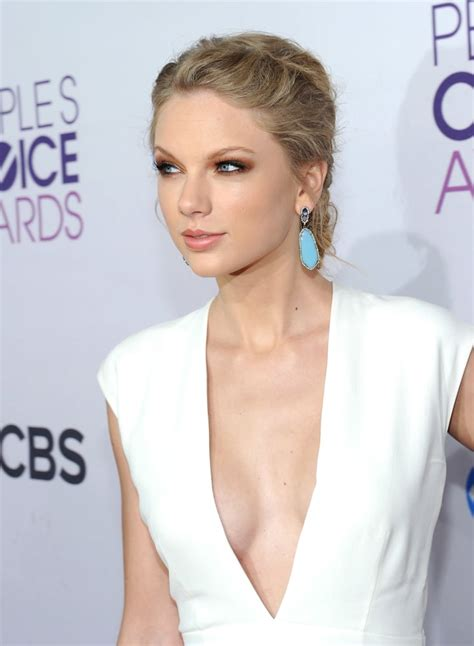 Taylor Swift Sexy Pictures at 2013 People's Choice Awards ...