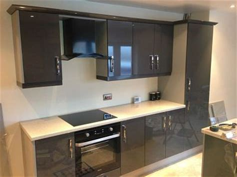 replacement kitchen gloss anthracite opt martin thompson joinery