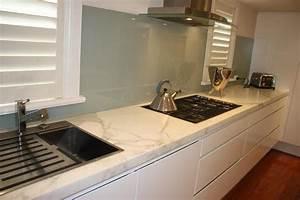 Piani cucina quale materiale scegliere for Marmo piano cucina
