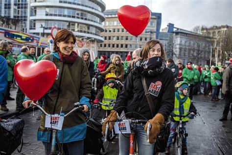 changement de si鑒e social association véronique clette gakuba la grande parade veut booster la résistance sociale solidaire