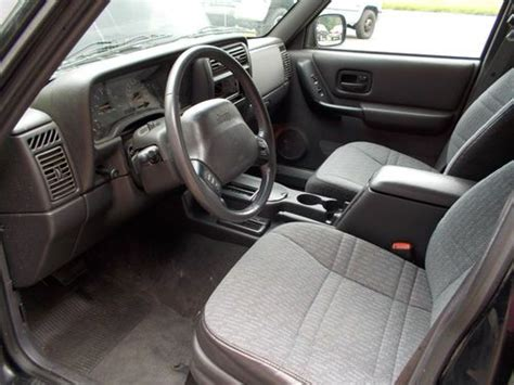 sell   jeep cherokee sport  inline  np
