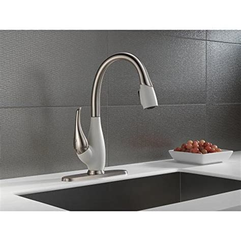 delta faucet fuse single handle kitchen sink faucet