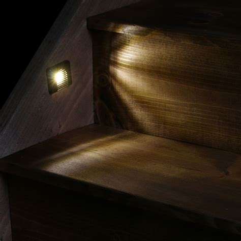 Indoor Stair Lights by Indoor Led Recessed Stair Light Kit With Faceplates