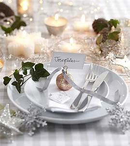 Table De Fete Decoration Noel : table de noel pour merveiller les convives design feria ~ Zukunftsfamilie.com Idées de Décoration