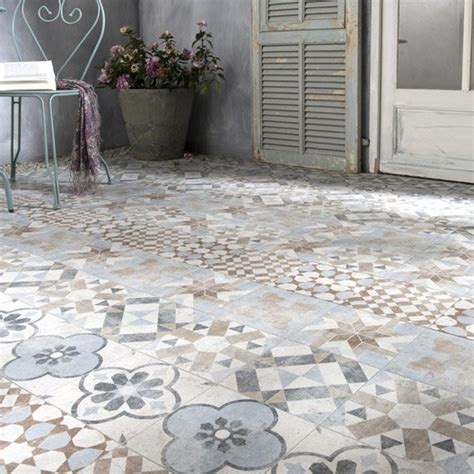 carrelage mix couleur effet terre cuite villa pour donner un style r 233 tro 224 votre terrasse