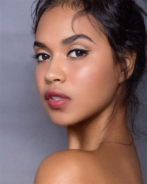 complete guide  light olive skin tone makeup