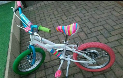 kids avigo   bike  stabilisers  queensbury